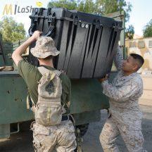 Peli Case 0500 műanyag (szállító) védőtáska, védőtok (görgő és magasító láb külön rendelhető) Villás targoncával emelhető! Belső: 887x468x641  mm