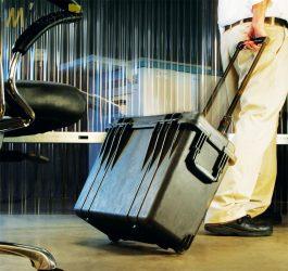 Peli 1440 gurulós műanyag táska, védőtok, fotós táska, választható felszereltséggel Belső: 434x190x406 mm
